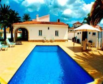Dénia,Alicante,España,4 Bedrooms Bedrooms,4 BathroomsBathrooms,Chalets,17275