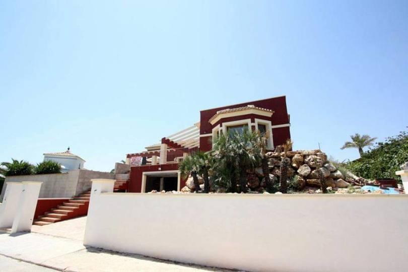 Dénia,Alicante,España,4 Bedrooms Bedrooms,3 BathroomsBathrooms,Chalets,17276