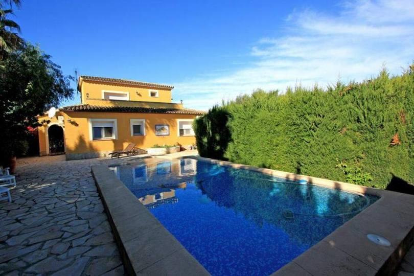 Dénia,Alicante,España,5 Bedrooms Bedrooms,3 BathroomsBathrooms,Chalets,17278