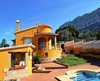 Dénia,Alicante,España,4 Bedrooms Bedrooms,3 BathroomsBathrooms,Chalets,17279