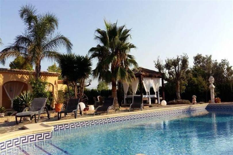 Orba,Alicante,España,3 Bedrooms Bedrooms,4 BathroomsBathrooms,Chalets,17284