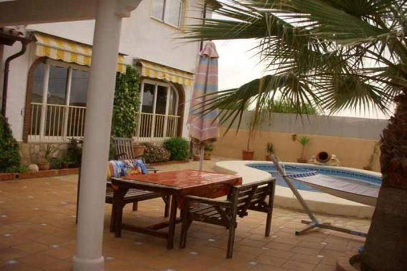 Dénia,Alicante,España,4 Bedrooms Bedrooms,3 BathroomsBathrooms,Chalets,17309