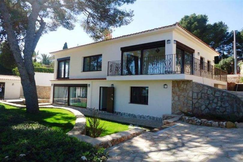Dénia,Alicante,España,5 Bedrooms Bedrooms,3 BathroomsBathrooms,Chalets,17310