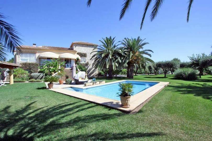 Dénia,Alicante,España,5 Bedrooms Bedrooms,3 BathroomsBathrooms,Chalets,17320