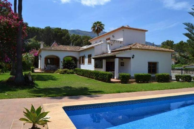 Dénia,Alicante,España,6 Bedrooms Bedrooms,3 BathroomsBathrooms,Chalets,17339