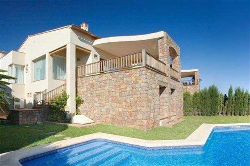 Pedreguer,Alicante,España,3 Bedrooms Bedrooms,4 BathroomsBathrooms,Chalets,17350