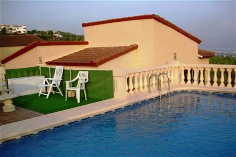 Pedreguer,Alicante,España,4 Bedrooms Bedrooms,2 BathroomsBathrooms,Chalets,17359
