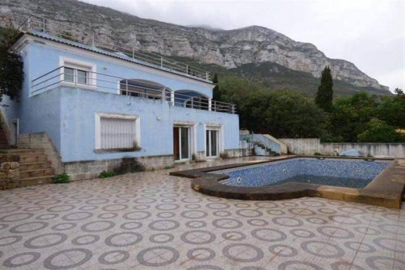 Dénia,Alicante,España,4 Bedrooms Bedrooms,2 BathroomsBathrooms,Chalets,17371