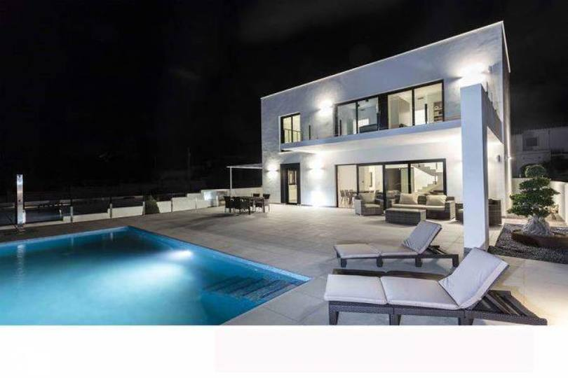 Dénia,Alicante,España,3 Bedrooms Bedrooms,3 BathroomsBathrooms,Chalets,17388