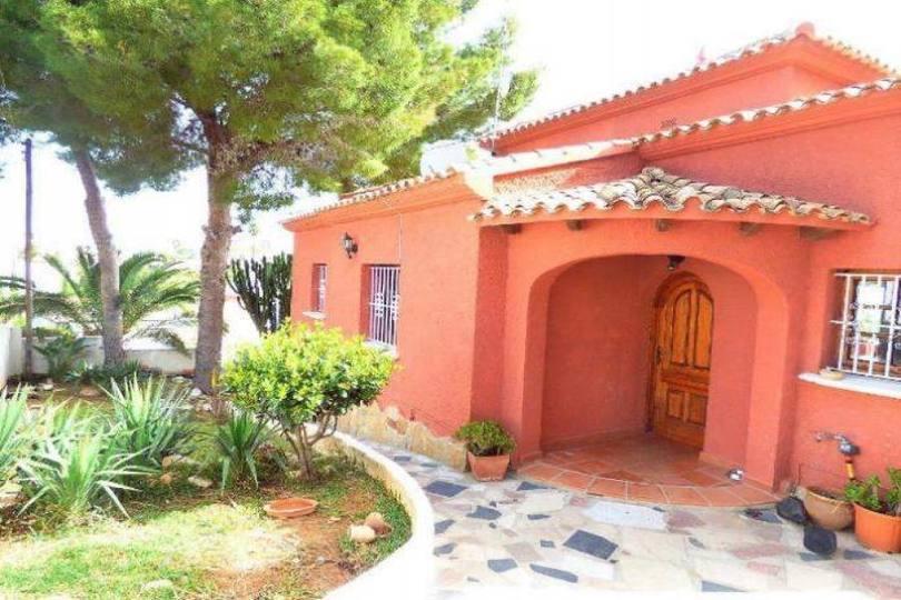 Dénia,Alicante,España,4 Bedrooms Bedrooms,3 BathroomsBathrooms,Chalets,17391