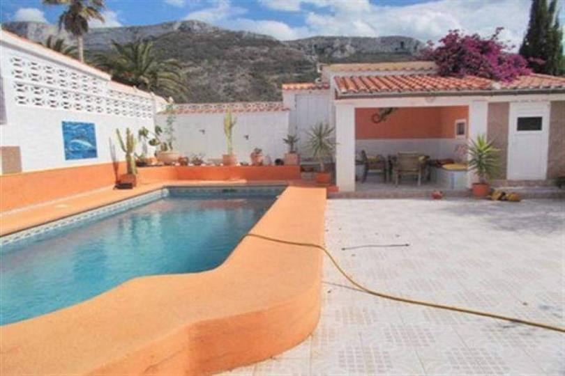 Dénia,Alicante,España,4 Bedrooms Bedrooms,3 BathroomsBathrooms,Chalets,17411