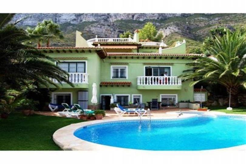 Dénia,Alicante,España,5 Bedrooms Bedrooms,4 BathroomsBathrooms,Chalets,17412