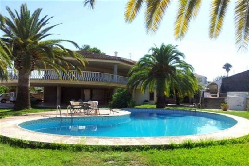 Pedreguer,Alicante,España,10 Bedrooms Bedrooms,5 BathroomsBathrooms,Chalets,17434