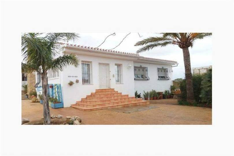 Dénia,Alicante,España,4 Bedrooms Bedrooms,4 BathroomsBathrooms,Chalets,17438