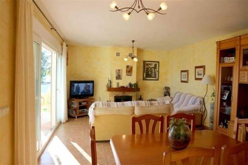 Beniarbeig,Alicante,España,4 Bedrooms Bedrooms,2 BathroomsBathrooms,Chalets,17456