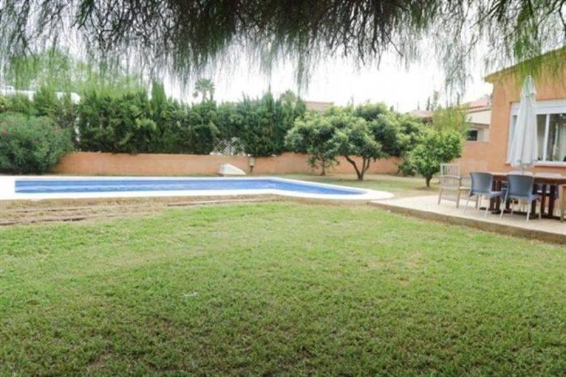 Dénia,Alicante,España,5 Bedrooms Bedrooms,3 BathroomsBathrooms,Chalets,17457