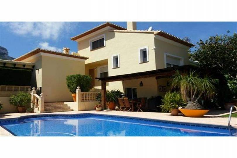 Dénia,Alicante,España,4 Bedrooms Bedrooms,4 BathroomsBathrooms,Chalets,17471