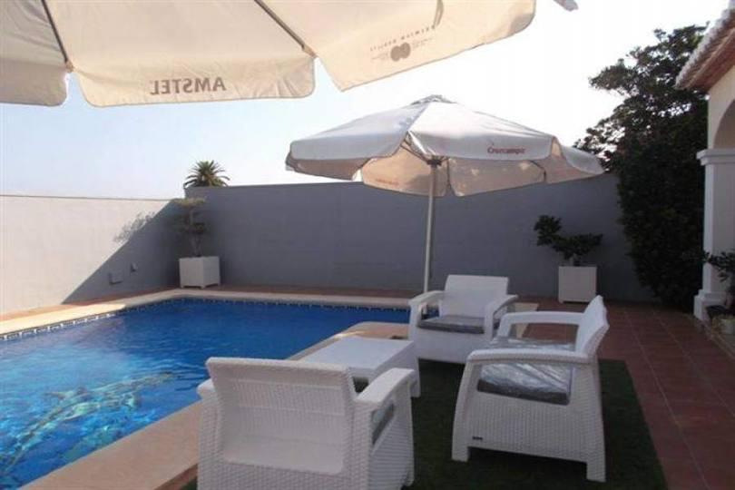 Dénia,Alicante,España,3 Bedrooms Bedrooms,2 BathroomsBathrooms,Chalets,17483