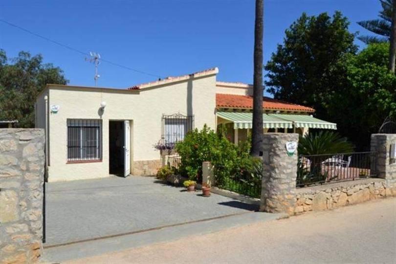 Ondara,Alicante,España,3 Bedrooms Bedrooms,2 BathroomsBathrooms,Chalets,17494