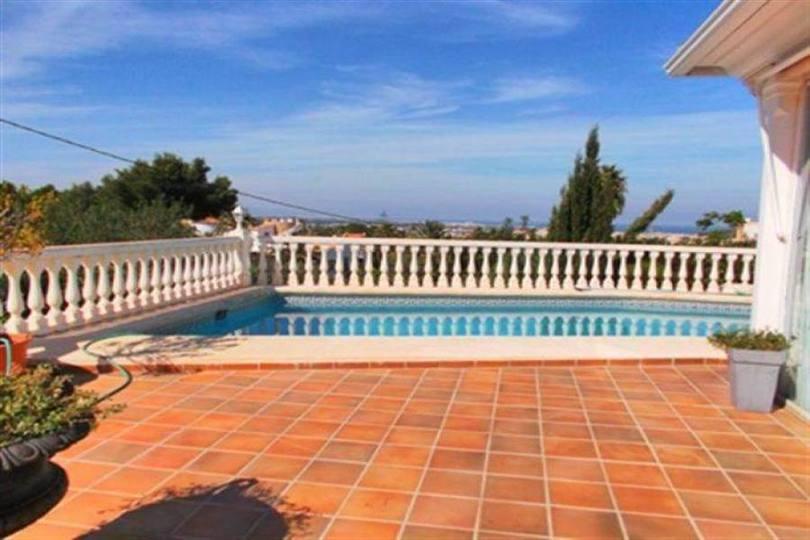 Dénia,Alicante,España,4 Bedrooms Bedrooms,3 BathroomsBathrooms,Chalets,17501