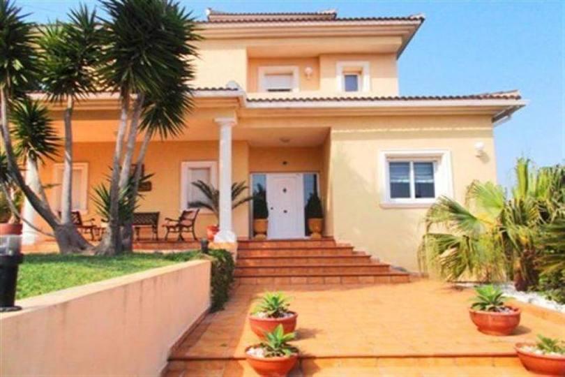 Dénia,Alicante,España,4 Bedrooms Bedrooms,3 BathroomsBathrooms,Chalets,17502