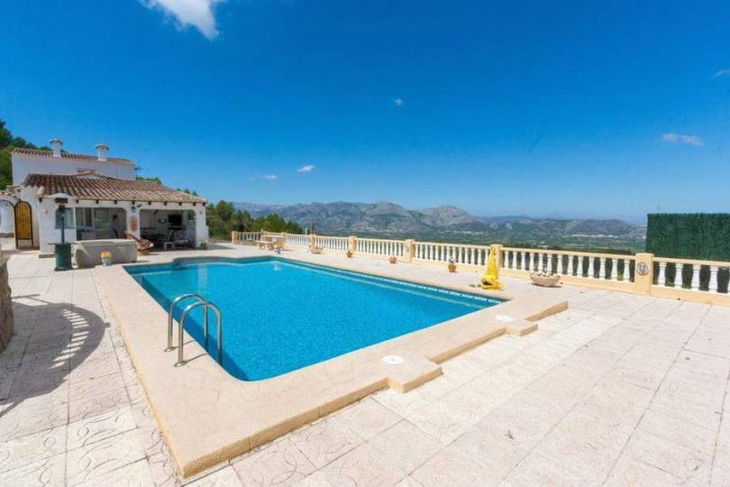 Benidoleig,Alicante,España,4 Bedrooms Bedrooms,3 BathroomsBathrooms,Chalets,17512
