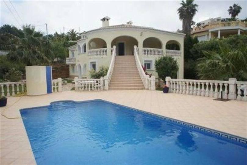 Dénia,Alicante,España,6 Bedrooms Bedrooms,3 BathroomsBathrooms,Chalets,17532