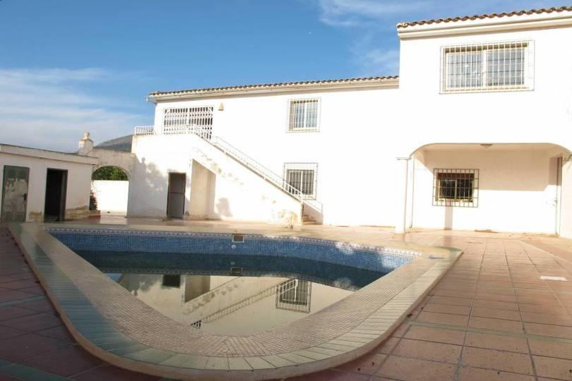 Callosa d'En Sarria,Alicante,España,6 Bedrooms Bedrooms,3 BathroomsBathrooms,Chalets,17540