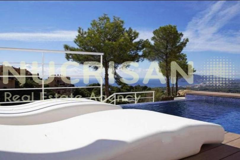 Altea,Alicante,España,3 Bedrooms Bedrooms,4 BathroomsBathrooms,Chalets,17574