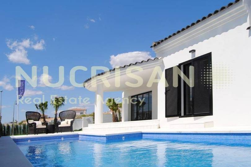 Elche,Alicante,España,3 Bedrooms Bedrooms,2 BathroomsBathrooms,Chalets,17579