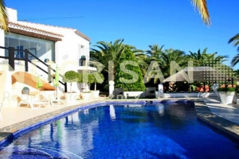 Teulada,Alicante,España,4 Bedrooms Bedrooms,4 BathroomsBathrooms,Chalets,17602