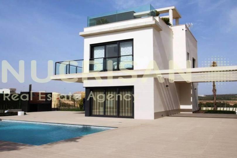 Orihuela,Alicante,España,4 Bedrooms Bedrooms,4 BathroomsBathrooms,Chalets,17608