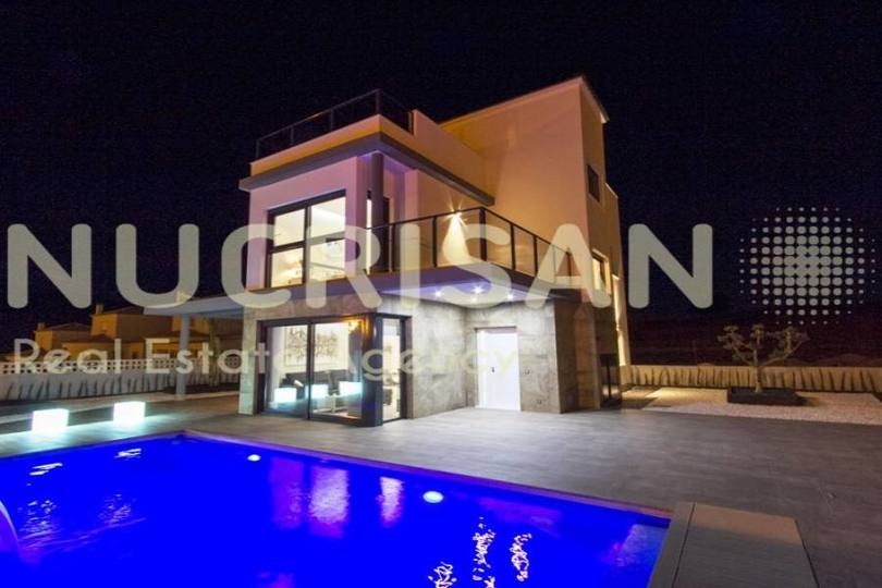 Castalla,Alicante,España,4 Bedrooms Bedrooms,4 BathroomsBathrooms,Chalets,17611