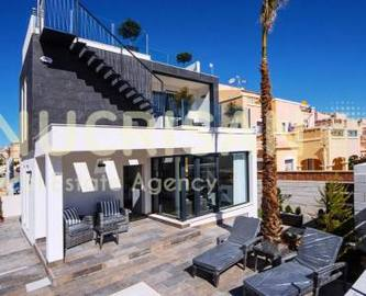 Orihuela,Alicante,España,3 Bedrooms Bedrooms,3 BathroomsBathrooms,Chalets,17628