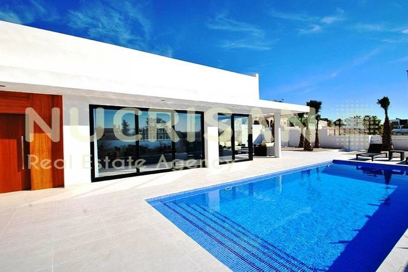 Elche,Alicante,España,3 Bedrooms Bedrooms,2 BathroomsBathrooms,Chalets,17643
