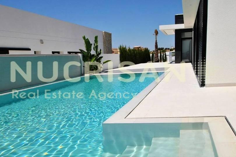 Elche,Alicante,España,3 Bedrooms Bedrooms,3 BathroomsBathrooms,Chalets,17644