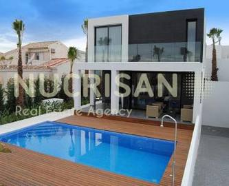 Elche,Alicante,España,3 Bedrooms Bedrooms,3 BathroomsBathrooms,Chalets,17646