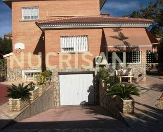 San Vicente del Raspeig,Alicante,España,4 Bedrooms Bedrooms,4 BathroomsBathrooms,Chalets,17675