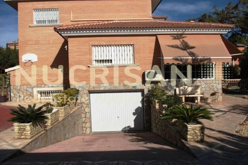 San Vicente del Raspeig,Alicante,España,4 Bedrooms Bedrooms,4 BathroomsBathrooms,Chalets,17675