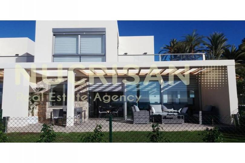 Villajoyosa,Alicante,España,3 Bedrooms Bedrooms,2 BathroomsBathrooms,Chalets,17682