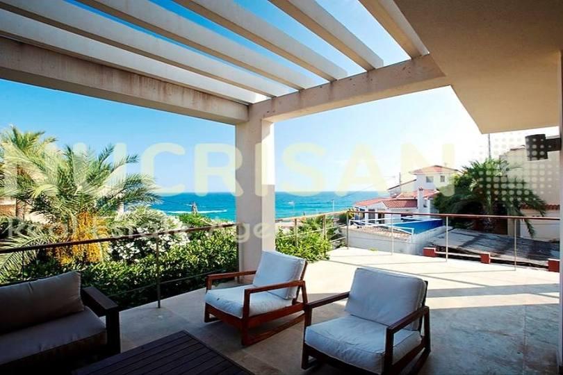el Campello,Alicante,España,4 Bedrooms Bedrooms,3 BathroomsBathrooms,Chalets,17684