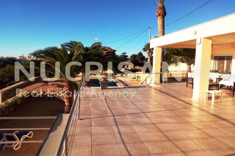 el Campello,Alicante,España,5 Bedrooms Bedrooms,3 BathroomsBathrooms,Chalets,17685