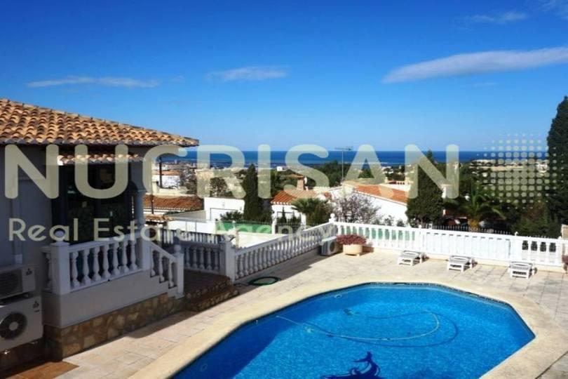 Dénia,Alicante,España,4 Bedrooms Bedrooms,3 BathroomsBathrooms,Chalets,17694