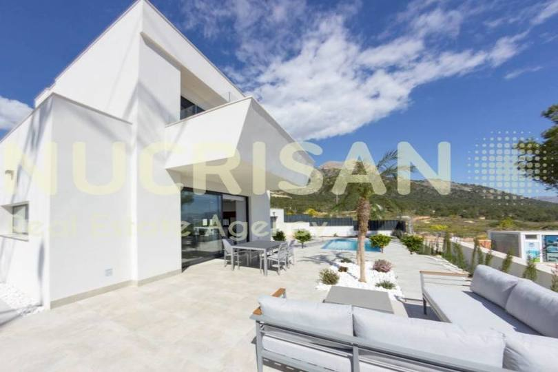 Polop,Alicante,España,3 Bedrooms Bedrooms,2 BathroomsBathrooms,Chalets,17700