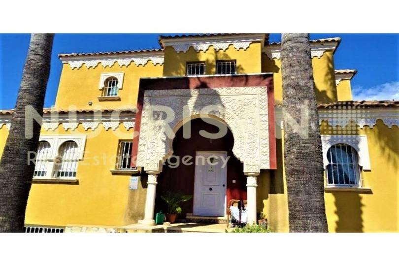 Alfaz del Pi,Alicante,España,4 Bedrooms Bedrooms,3 BathroomsBathrooms,Chalets,17714