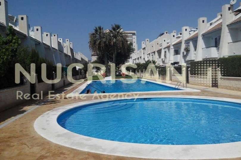 Alicante,Alicante,España,4 Bedrooms Bedrooms,2 BathroomsBathrooms,Chalets,17726