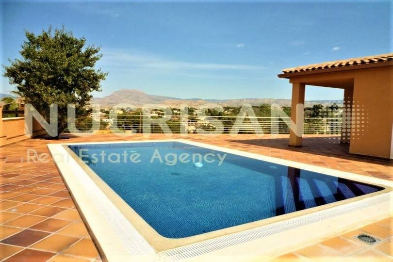 Busot,Alicante,España,3 Bedrooms Bedrooms,3 BathroomsBathrooms,Chalets,17731