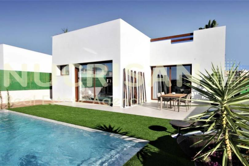 Benijófar,Alicante,España,3 Bedrooms Bedrooms,2 BathroomsBathrooms,Chalets,17735