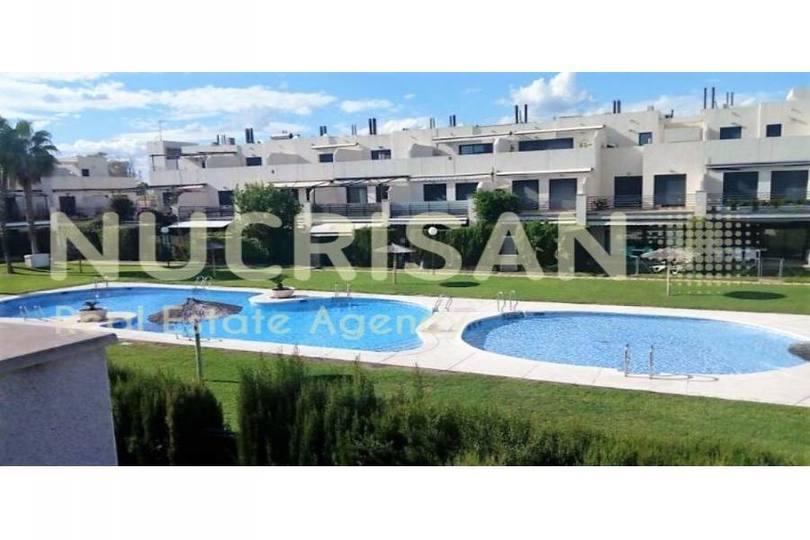 Alicante,Alicante,España,4 Bedrooms Bedrooms,3 BathroomsBathrooms,Chalets,17755
