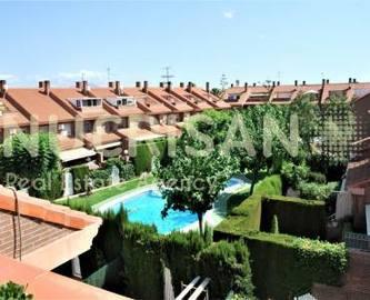 Alicante,Alicante,España,4 Bedrooms Bedrooms,3 BathroomsBathrooms,Chalets,17766